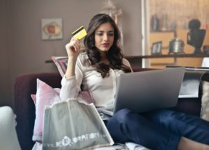 womans shopping online
